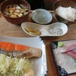庄司鮮魚店 - 紅塩鮭定食