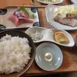 庄司鮮魚店 - 天然ブリ塩焼定食
