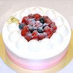 モンテ - 料理写真:いちごの生ショートケーキ6号