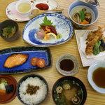 和食 南 - 料理写真:夜のコース料理です。このボリュームで1,350円!