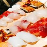 地魚酒場 魚八商店 - 寿司どんだけ頼むねん