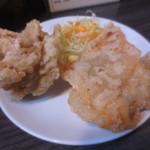 栗ちゃんラーメン - 大きめの唐揚げ2個