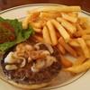 ブルームーン - 料理写真:ハンバーガーANDポテト。