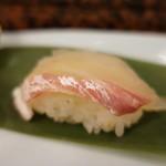 赤玉寿司 - 鯛