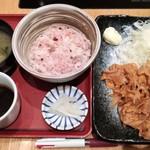 ろくまる 五元豚 - 生姜焼き定食 850→500円