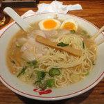 熟成細麺 宝屋 - トロ肉チャーシューメン・煮玉子