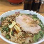 朱華園 - ラーメン 600円  背油が溶け出すスープは絶品です!