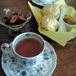 Kouchanomiseshun - 紅茶&スコーン。