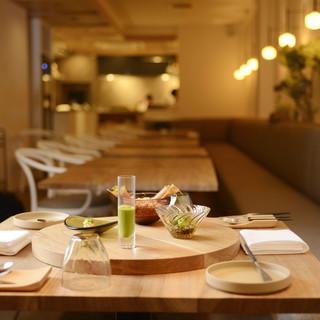 食器とインテリアにこだわり心よりリラックス出来る食空間