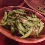 マカマカ - 昔食べた枝豆のニンニクのやつ