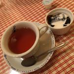 ラ・スイートパスタ - コーヒーゼリーと紅茶。