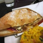THE CAFE - チキンとタルタルのパニーニ