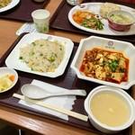 中国大明火鍋城 木の葉キッチン - 料理写真:マーボー&小チャーハン定食(810円)