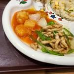 中国大明火鍋城 木の葉キッチン - お子様セット(570円)のチンジャオロース&エビトマト味