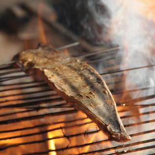 絶対食べてほしいカツオ、ブリ等の藁(わら)焼き