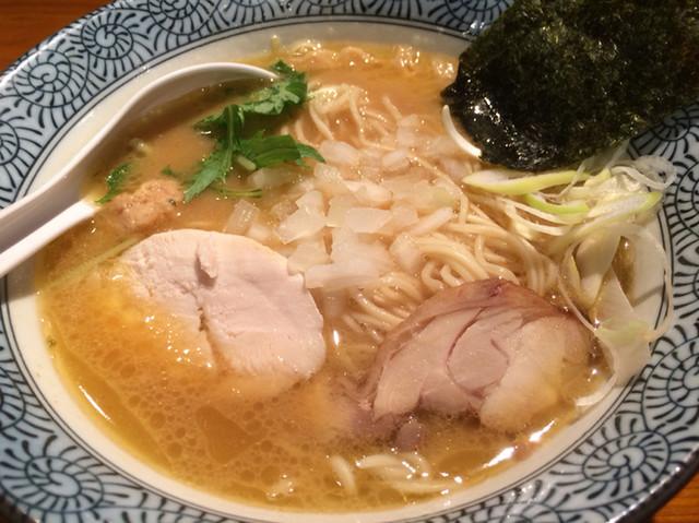 武一 横浜関内店 - 濃厚鶏骨醤油ラーメン