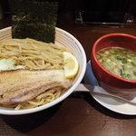 山麺 - 香味焙煎麺のつけ麺