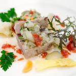 ビストロ ル プュイ ドール 金の井戸 - 前菜は鴨肉のテリーヌも選べました。