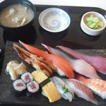 海鮮蔵 魚魚魚 - にぎり寿司(並)