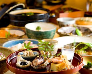 空 - 毎月変わるコース料理。  ¥3800~