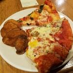 65870357 - ピザとポテト