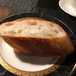 千の風 - 食べごたえありそうなフランスパン