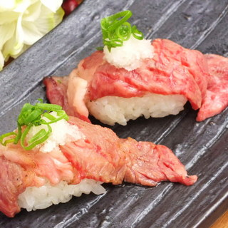 梅田駅近く♪絶品肉の寿司が気軽に楽しめます!