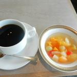 65887698 - 食後コーヒー&フルーツ