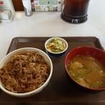 すき家 - 牛丼トン汁お新香セット