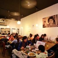 タイ国専門食堂 - 開放的な空間