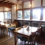 小さな宿&レストラン しいの木やま - 眺め最高のカウンター席