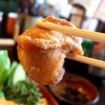 65897429 - 唐揚げは鉄板の旨さ! スタンダードな料理だからこそ、鶏の美味しさが引き立つ