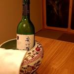 料亭 やまさ旅館 - 安心院ワイナリーの白ワイン