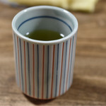 うな豊 - 熱いお茶