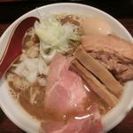 麺 虎テツ - 料理写真:肉汁煮干しラーメン味玉のせ(800円)(大盛:無料)
