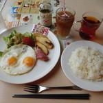 ジョナサン - 料理写真:目玉焼モーニングセット¥625-