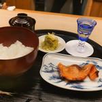 もめん - サーモン山庵焼き、ご飯、香の物、味噌汁