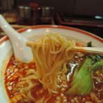 65908326 - 麺は中細縮れ麺、加水率は中低級。