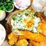 I 特大海老フライ&鶏もも肉の唐揚げランチ