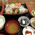 食い処 飲み処 久平 - 料理写真:刺身定食 1,500円