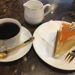 珈琲貴族エジンバラ - ニューヨークチーズケーキと貴族ブレンドのセットで1,250円