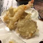 博多横町・旨し酒炉端や 銀ぶし - 天ぷら盛合せ5種(税別499円)