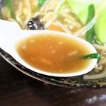 台方ラーメン - スープ