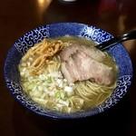 煮干らー麺シロクロ - 料理写真:煮干らー麺(白)