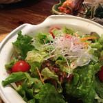 炭火焼肉 名玉 - 野菜サラダ