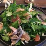 organ - 『鮮魚のスモークとパクチー、ピンクグレープフルーツのサラダ』