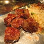 鉄板焼天神ホルモン - ニクテキ定食の牛肉