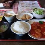 海鮮中華厨房 張家 北京閣 - 日替りランチ(海鮮2種のチリソース)