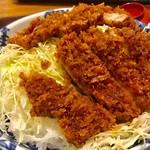 かつふじ亭 - メガロースソース丼アップ【料理】