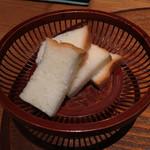 八代目儀兵衛 - 米粉のパン